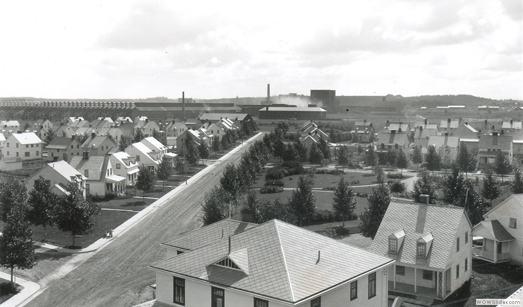 Arvida, view of the smelter from the St. Thérèse church roof, 1933