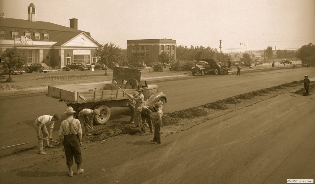 Landscaping work in Arvida city center, circa 1945