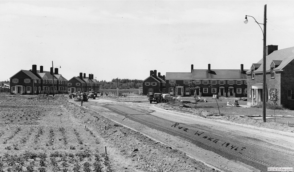 Type R-3 and R-4 row houses, circa 1946. NB Wake Street is now Berthier St.